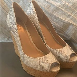 Authentic snakeskin Vince Camulto Wedges